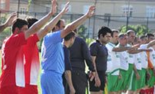 Kurumlar Arasi Futbol Turnuvasi Basladi