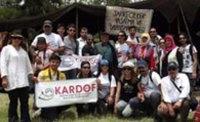 KARDOF Üyeleri Sarikeçili Yörüklerinin Yasamini Inceledi