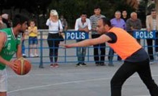 Sokak Basketbolun'da Sampiyonlar Belli Oldu