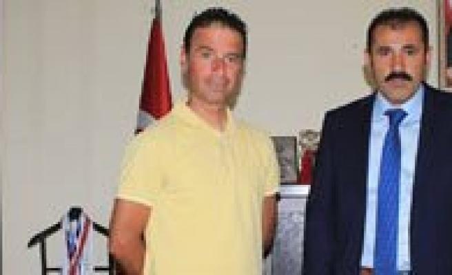 Spor Il Müdürü Kisacik, Basarili Antrenör Ünlü'yü Kabul Etti