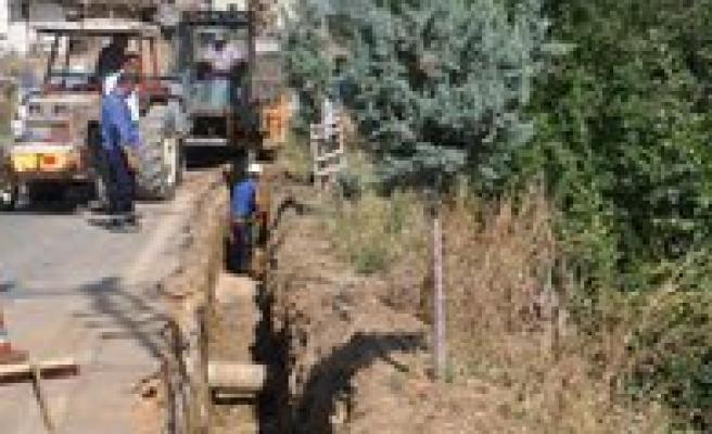 Sariveliler'de Elektrik Hatlari Yeraltina Aliniyor