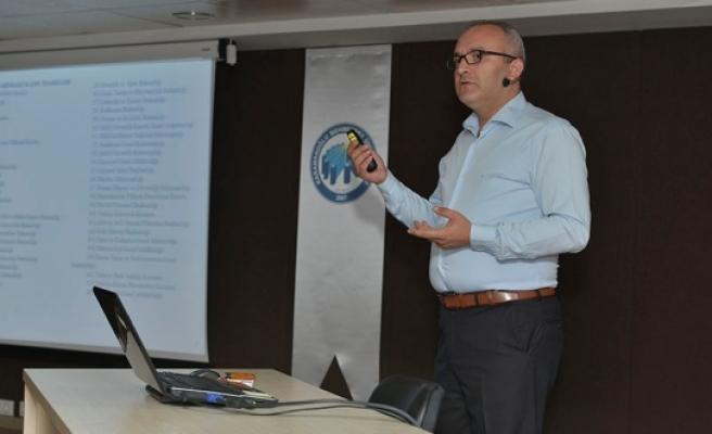 KMÜ'de Hizmet İçi Eğitim Düzenlendi