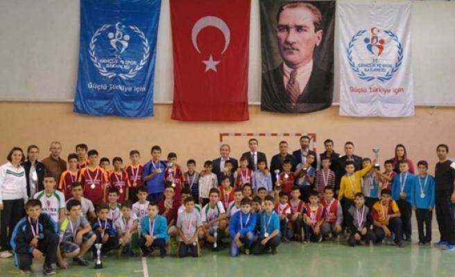 Ermenek'te Futsal Müsabakaları Sona Erdi