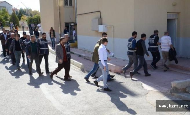 FETÖ'den Gözaltına Alınan 11 Öğretmen Adliyeye Sevk Edildi