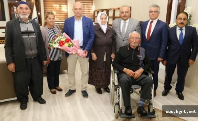 Huzurevi Sakinlerinden Başkan Çalışkan'a Ziyaret