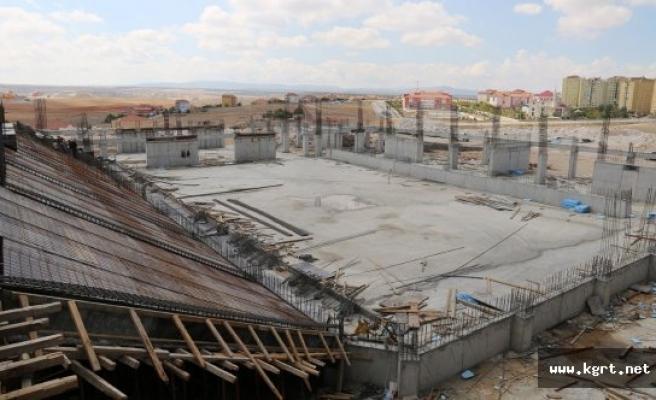 Karaman'da 3 Bin Kişilik Spor Salonu Çalışmaları Devam Ediyor