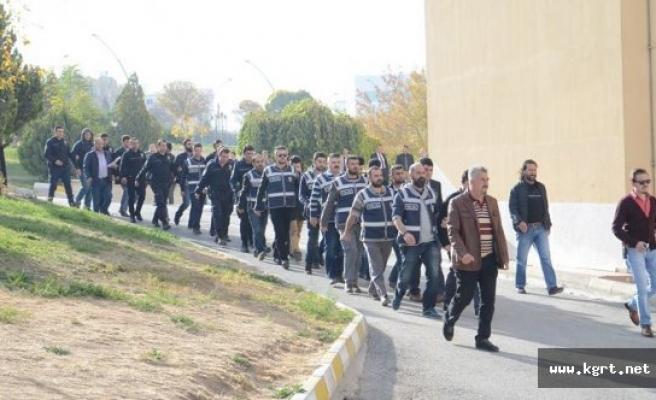 Karaman'da Fetö'den Gözaltına Alınan 15 Kişi Adliyeye Sevk Edildi