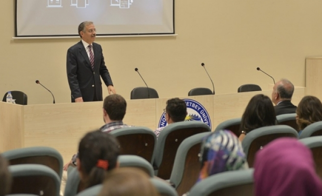 KMÜ Rektörü, Eğitim Fakültesinin İlk Öğrencilerine Seslendi