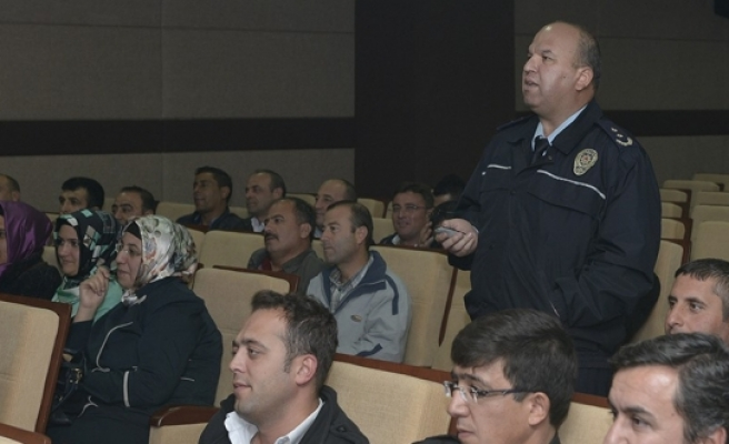 KMÜ'de Güvenlik Personeline Eğitim