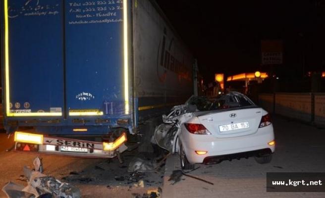 Otomobil Park Halindeki Tır'a Arkadan Çarptı: 1 Yaralı