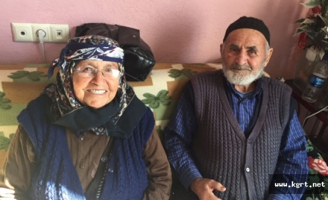 90 Yaşında Yeni Dişlere Sahip Oldu