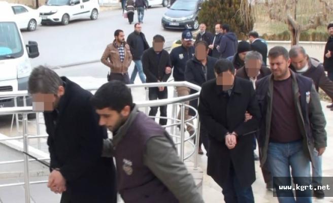 Karaman'da Cezaevi Müdürü İle 4 Adliye Çalışanı Adliyeye Sevk Edildi