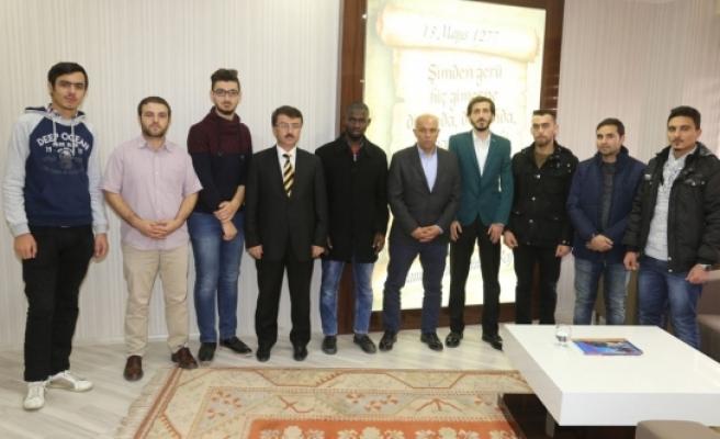 Uluslararası Öğrenci Topluluğundan Başkan Çalışkan'a Ziyaret