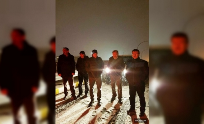 Belediye Başkanı Çalışkan'dan Gece Yarısı Kar Mesaisi