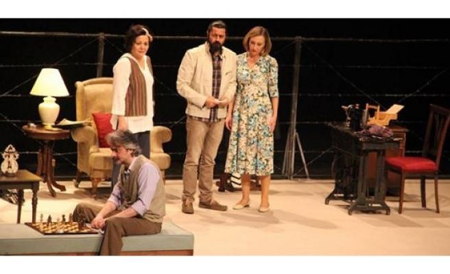 İstanbul Devlet Tiyatroları Oyuncuları Karaman'da