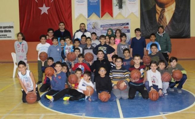 Karaman'da Basketbol Kış Spor Okulları Devam Ediyor