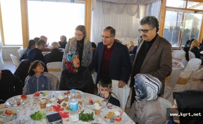Kent Konseyi Engelliler Ve Aileleri İle Kahvaltıda Buluştu