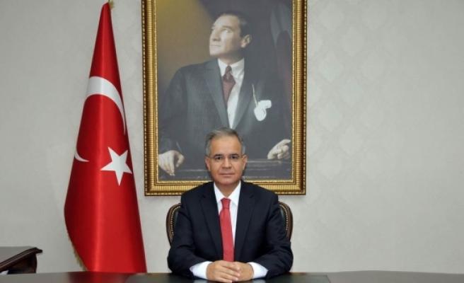 Vali Tapsız: 2017 Hem Ülkemiz Hemde Karaman İçin Huzurlu Ve Başarılı Bir Yıl Olsun
