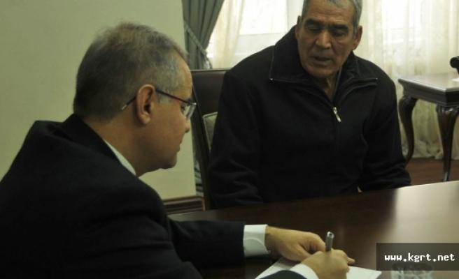 Vali Tapsız Vatandaşların Sorunlarını Tek Tek Dinledi