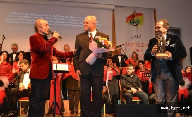 Karamanlı Şair Hikmet Elitaş'ın Yazdığı Şarkı İstanbul'da Koroda Seslendirildi
