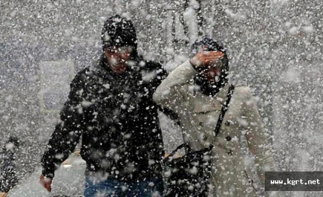 Kuvvetli Yoğun Kar Yağışı İle Birlikte Kuvvetli Rüzgar Bekleniyor