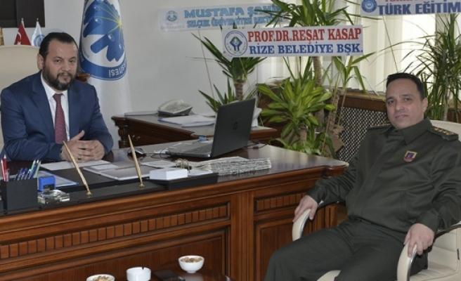 Garnizon Komutanı J. Alb. İlhan Şen'den Rektör Akgül'e Tebrik