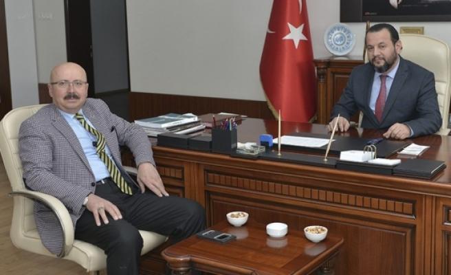 Sarıveliler Belediye Başkanından KMÜ Rektörü Akgül'e Tebrik
