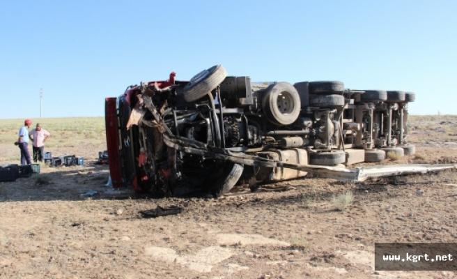 Karaman'da Devrilen Çekicinin Sürücüsü Hayatını Kaybetti