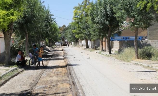 Asfalt Çalışmaları Larende Mahallesi'nde Devam Ediyor
