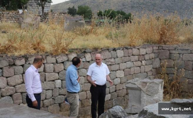 Vali Meral Karadağ'da İncelemelerde Bulundu
