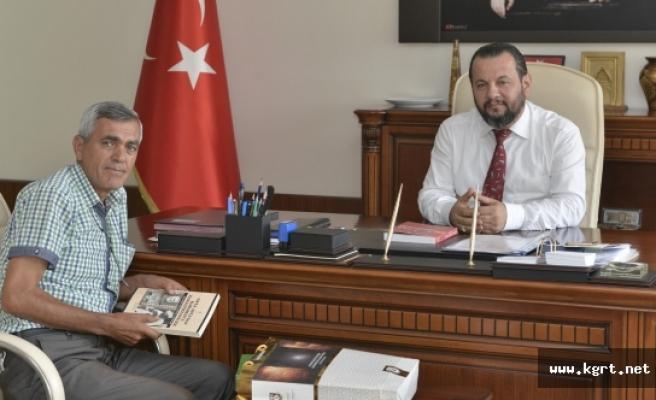 Araştırmacı Yazar Osman Ülkümen'den Rektör Akgül'e Ziyaret