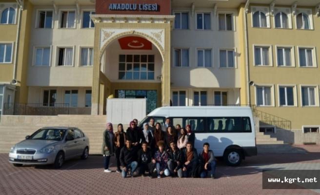 Abdullah Tayyar Anadolu Lisesi Öğrencilerinden Güldere İlkokuluna Anlamlı Ziyaret
