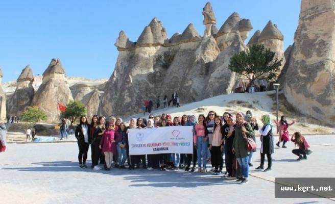 Gençlik Merkezi Üyeleri Tarihi Ve Kültürel Miraslara Yakından Tanıklık Ediyor