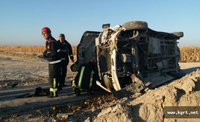 İşçi Minibüsü Devrildi: 14 Yaralı