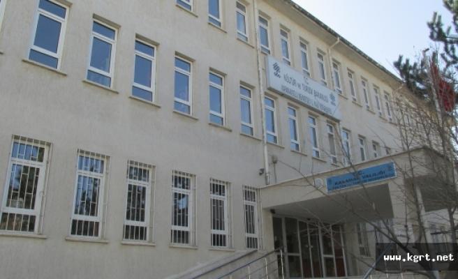 İl Halk Kütüphanesi'nin Kapanış Saati 22.00'ye Çıkarıldı