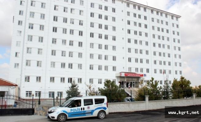 Karaman'da Yurtta Kalan Öğrenciler Olayın 'Şaka' Olduğuna İnanmıyor