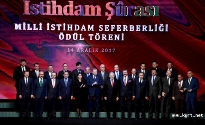 İlimiz Ticaret Borsası Beştepe'de Düzenlenen Ödül Törenine Katıldı