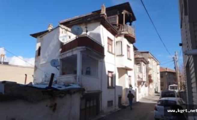 Tarihi Karaman Evleri Yeniden Hayat Buluyor