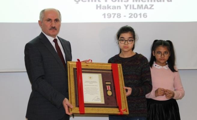 Şehit Polis Memurunun Devlet Övünç Madalyası Kızlarına Verildi