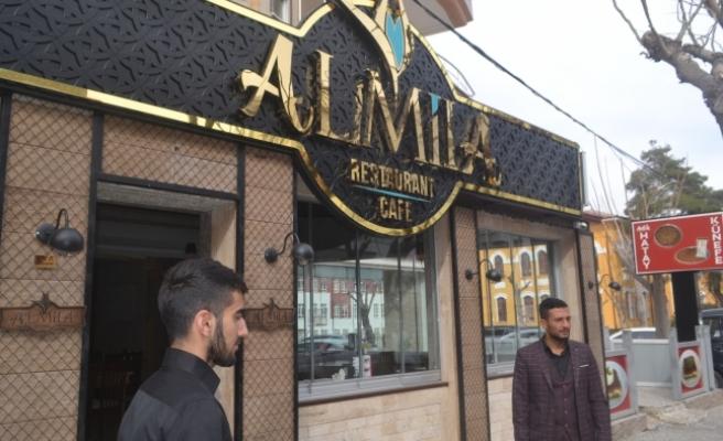 Almila, Basınla Buluştu
