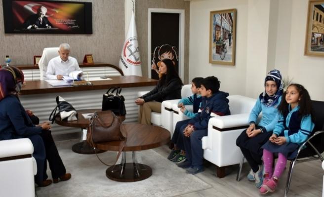 Hoca Ahmet Yesevi İlk ve Ortaokulundan '81 İl Bir Hikâye' ve 'Çocukla Çocuk Ol' Projeleri
