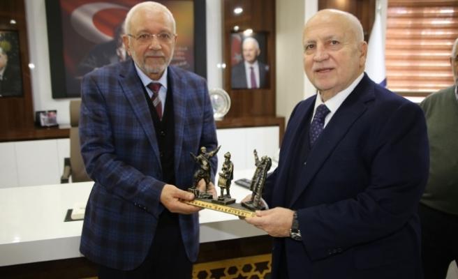 Işın Çelebi Karaman Belediyesi'ni Ziyaret Etti