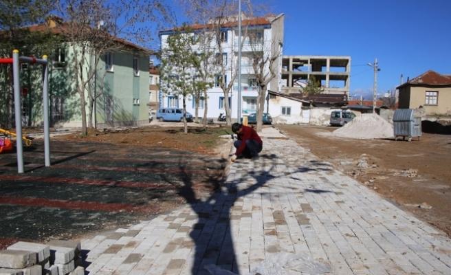 Adnan Özdağ Parkı Yenileniyor