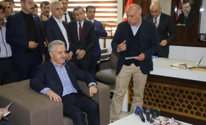 Bakan Arslan Karaman Belediyesi'ni Ziyaret Etti