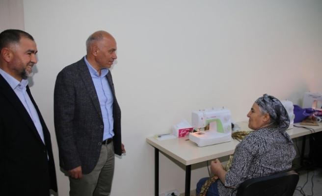 Başkan Çalışkan Osmangazi Hanımlar Lokali'ni Ziyaret Etti