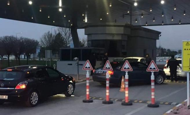 Konya Havalimanına Karamanlı Ticari Araçların Girişi Yasaklandı