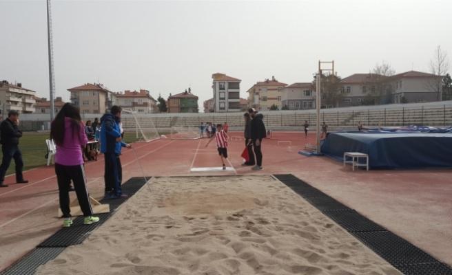 Okullar Arası Küçükler Puanlı Atletizm Yarışları Sona Erdi