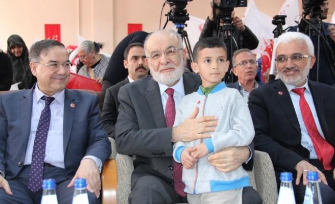 """SP Genel Başkanı Karamollaoğlu: """"Bugün Dört Bir Tarafımız Ateşle Çevrili"""""""