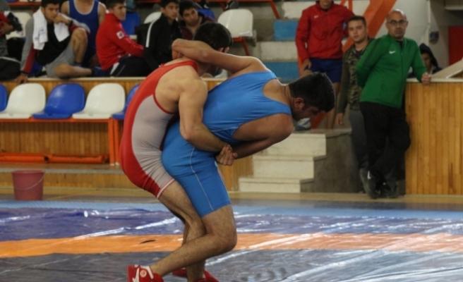 Okullararası Gençler Güreş Grup Müsabakaları Sona Erdi