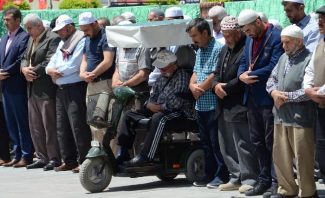 62 Filistinli İçin Gıyabi Cenaze Namazı Kılındı
